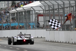 Fórmula E.  Sam Bird gana el PutrajayaePrix