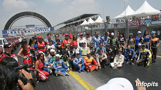La recta del Autódromo de Monterrey y su tradicional neumático. Foto: Infopits.