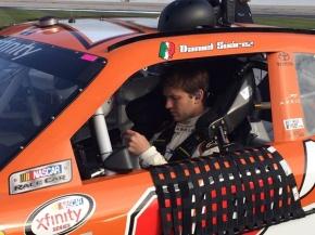 Daniel Suárez apuesta en las Vegas en NASCARXfinity.