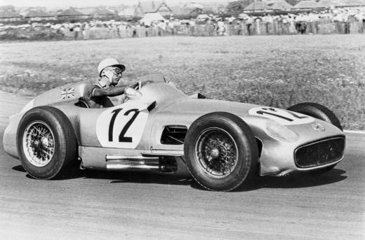 Durante el Gran Premio Británico de 1955, la primera victoria de un local en la prueba. Foto: Mercedes-Benz.