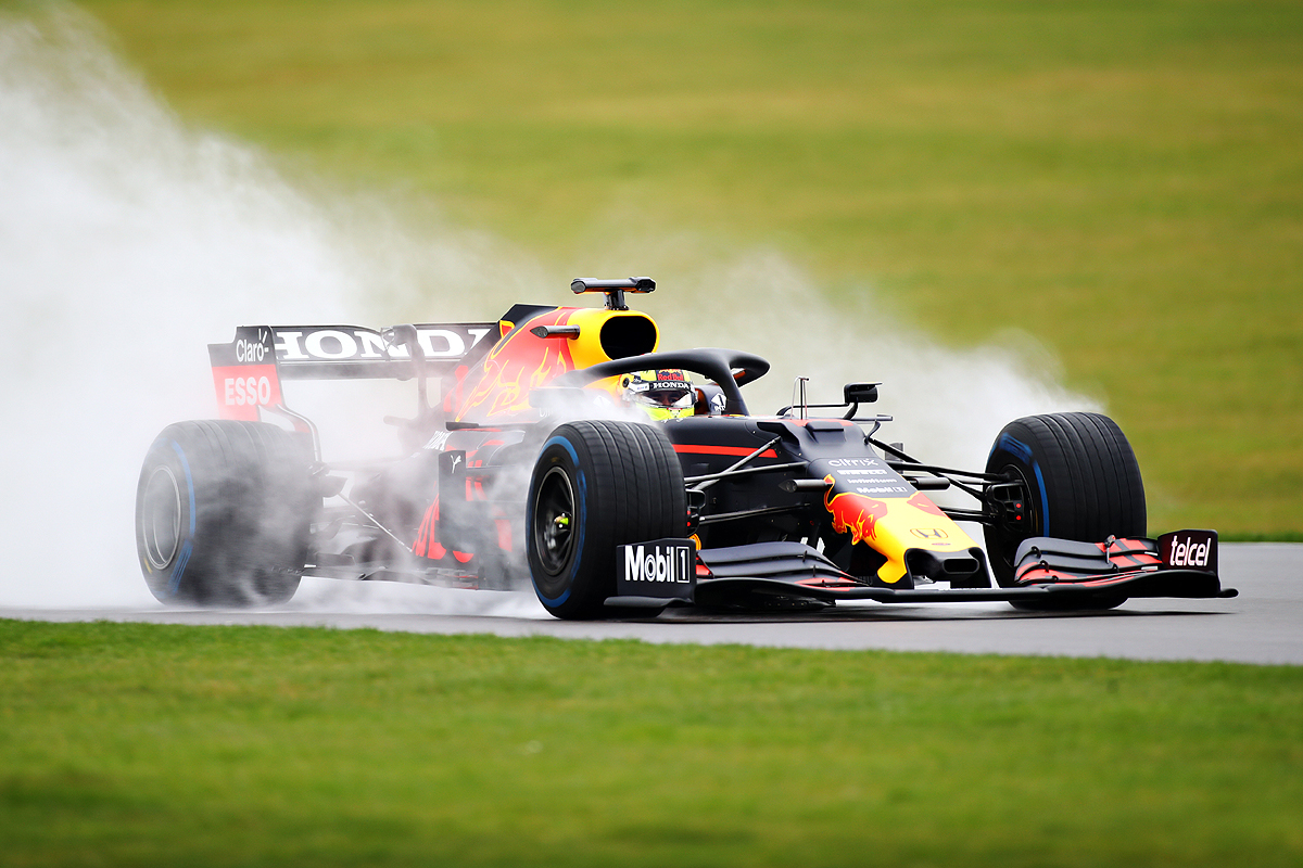 Checo Pérez habla sobre su experiencia en el carro de Red Bull y asegura que nunca manejó uno igual